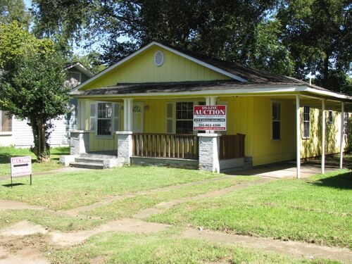 ABSOLUTE ONLINE AUCTION - Bank Owned Home featured photo