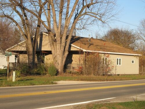 (4)BANK OWNED Hillsboro, IL 601 Pipeline Rd. 1,656sf, 3Bd, 2.5Ba featured photo