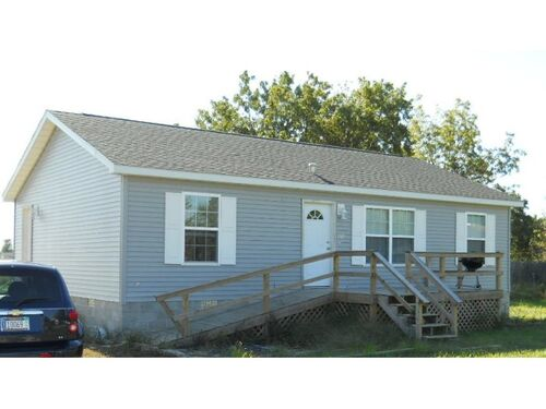 (2) BANK OWNED:  EVERYTHING LIKE NEW! 3 Bd, 2 Ba in Coffeen, IL featured photo