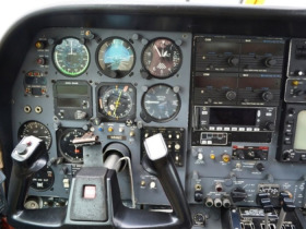 CESSNA 310 R AIRPLANE featured photo 5