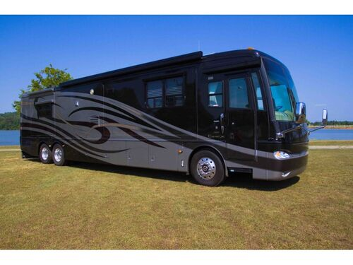 Online Auction 2005 Newmar Essex Motorhome Coach featured photo