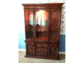 Online Estate Auction With Furniture, Collectibles, Glass & More At 1109 W. Stewart Rd., Columbia, MO featured photo 3