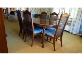 Online Estate Auction With Furniture, Collectibles, Glass & More At 1109 W. Stewart Rd., Columbia, MO featured photo 2