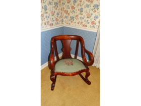 Online Estate Auction With Furniture, Collectibles, Glass & More At 1109 W. Stewart Rd., Columbia, MO featured photo 6