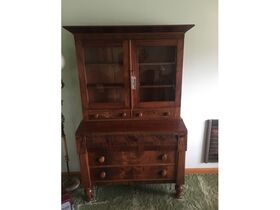 ONLINE AUCTION: Incredible Collection of Antiques, Furniture, Quilts, Glassware, China and MUCH MORE! featured photo 9