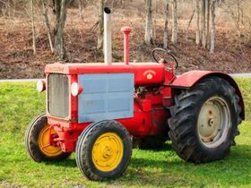 Centonze Antique Tractor Collection featured photo 12