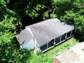 """ONLINE AUCTION featuring """"Handyman Special"""" Incredible Opportunity! 1 Bedroom, 1 Bath Home in Nashville featured photo 4"""