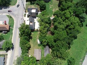 """ONLINE AUCTION featuring """"Handyman Special"""" Incredible Opportunity! 1 Bedroom, 1 Bath Home in Nashville featured photo 7"""