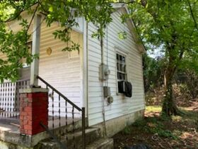 """ONLINE AUCTION featuring """"Handyman Special"""" Incredible Opportunity! 1 Bedroom, 1 Bath Home in Nashville featured photo 11"""