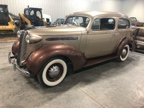 ONLINE AUCTION featuring Classic Cars, Industrial Equipment, Antiques, Home Decor, Furniture and More! featured photo 5