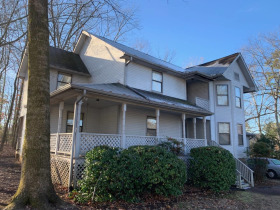"""AUCTION: 3 BR, 2.5 BA """"Handyman Special"""" in East Brainerd Area of Chattanooga - Cul-de-sac Treed Lot featured photo 5"""
