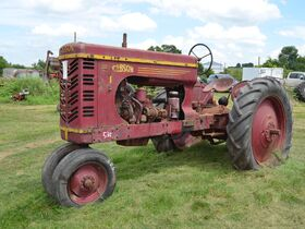 Jerry Everitt Tractorland 65 Year Tractor Collection - Day One - Tractors featured photo 6