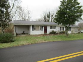 House, Mobile Home & Lots on Fall Lick Rd. - Absolute Online Only Auction featured photo 2