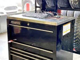 Kemple's Quick Lube Business Liquidation Equipment Online Only Auction featured photo 8