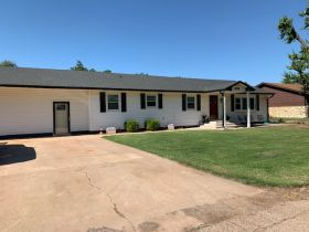 Updated Family Home in Cherokee featured photo 3