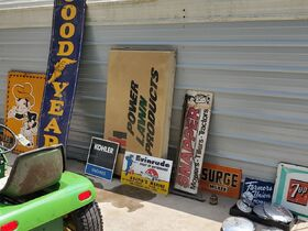 Smith Garden Tractor & Sign Auction featured photo 4