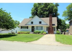 Wonderful 4-5 Bedroom Home On 3 Lots In Belton featured photo 3