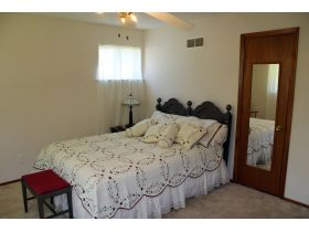 Wonderful 4-5 Bedroom Home On 3 Lots In Belton featured photo 6