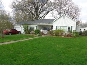 1323 East Wantland Dr. Taylorville, IL featured photo 1