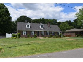 AUCTION: 3 BR, 3 BA One Owner Home with Bonus Room, Office, Covered Deck and Fenced Yard featured photo 5