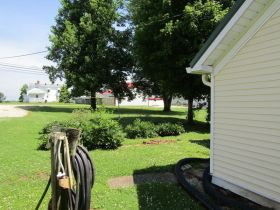 2-STORY 4 BEDROOM HOME • GARAGE • NICE LOT - Online Bidding Only Ends Thursday July 23rd, 2020 @ 3 PM CDT featured photo 10