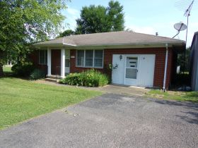 3 BR BRICK HOME - GARAGE - NICE LOT  - Online Bidding Only Ends Thursday, Aug. 6, 2020 @ 4 PM EDT featured photo 2