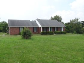 BRICK HOME ON 2 ACRES, GREAT LOCATION  BROOKS ESTATE featured photo 5