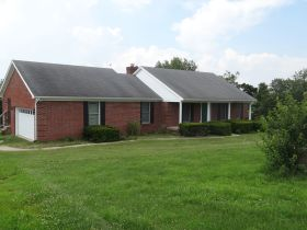 BRICK HOME ON 2 ACRES, GREAT LOCATION  BROOKS ESTATE featured photo 7
