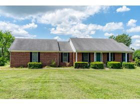 BRICK HOME ON 2 ACRES, GREAT LOCATION  BROOKS ESTATE featured photo 4