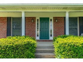 BRICK HOME ON 2 ACRES, GREAT LOCATION  BROOKS ESTATE featured photo 10