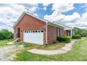 BRICK HOME ON 2 ACRES, GREAT LOCATION  BROOKS ESTATE featured photo 12