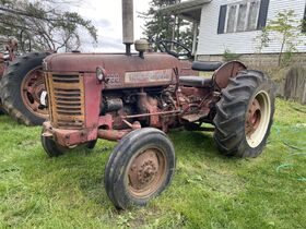 Hayes Vintage Tractor Collection Auction featured photo 5