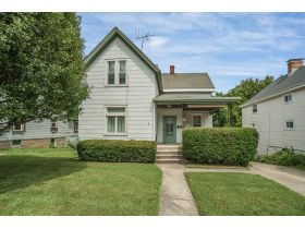 3418 Woodbine Ave Auction! featured photo 1