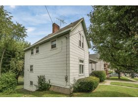 3418 Woodbine Ave Auction! featured photo 3