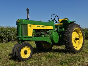 Steve and Patricia Flies Collector Tractor Auction featured photo 4