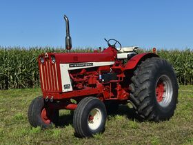 Steve and Patricia Flies Collector Tractor Auction featured photo 5