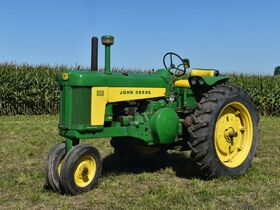 Steve and Patricia Flies Collector Tractor Auction featured photo 12