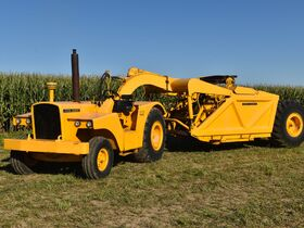 Steve and Patricia Flies Collector Tractor Auction featured photo 1