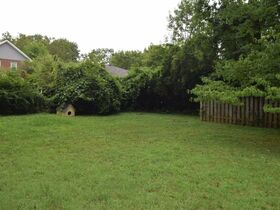 ONLINE ESTATE AUCTION Selling Absolute featuring Single Family 3 BR, 2 BA Home at 1019 E. Bell St featured photo 11