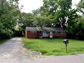 ONLINE ESTATE AUCTION Selling Absolute featuring 3 BR, 1 BA Brick Home at 1022 Olympia Pl featured photo 3
