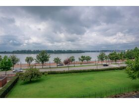 Beautiful 2 Bedroom, 2 Bathroom Condo w/ Incredible River View   Evansville, Indiana featured photo 3