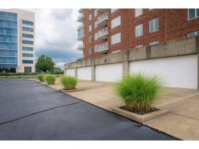 Beautiful 2 Bedroom, 2 Bathroom Condo w/ Incredible River View   Evansville, Indiana featured photo 5