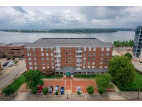 Beautiful 2 Bedroom, 2 Bathroom Condo w/ Incredible River View   Evansville, Indiana featured photo 6