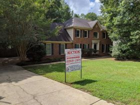 Home In Great Location | Selling By Order Of The US Bankruptcy Court featured photo 4