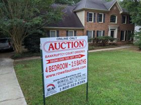 Home In Great Location | Selling By Order Of The US Bankruptcy Court featured photo 2