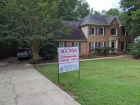 Home In Great Location | Selling By Order Of The US Bankruptcy Court featured photo 3