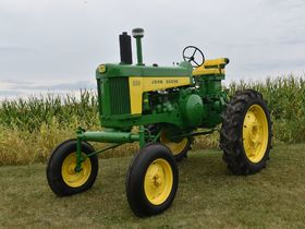 2020 Fall Harvest Antique Tractor Auction - Tractors Day 1 featured photo 4