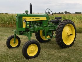 2020 Fall Harvest Antique Tractor Auction - Tractors Day 1 featured photo 7
