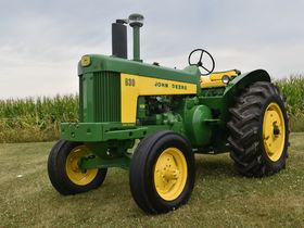 2020 Fall Harvest Antique Tractor Auction - Tractors Day 1 featured photo 10