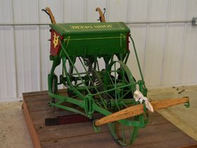 2020 Fall Harvest Implements, Parts, and Signs featured photo 10